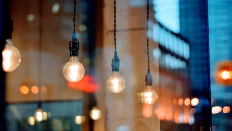 LEDs vs CFLs: When and How to Use Them