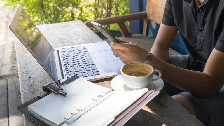 Keep your Enthusiasm with your work by working remotely in other countries as a Digital Nomad